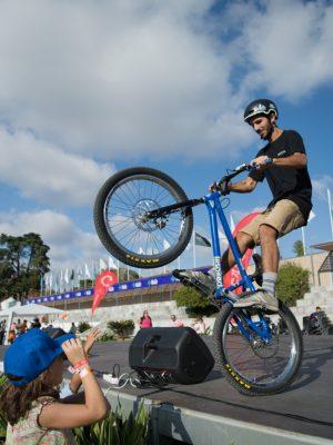 Ricardo Simões numa Demonstração de Bike Trial no Family Land 2016