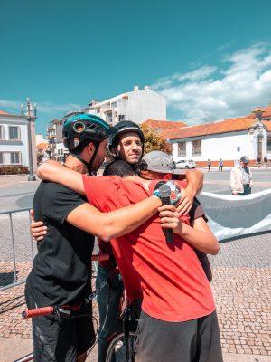 Equipa Drop the Edge em Espinho numa demonstração de Bike Trial e Parkour